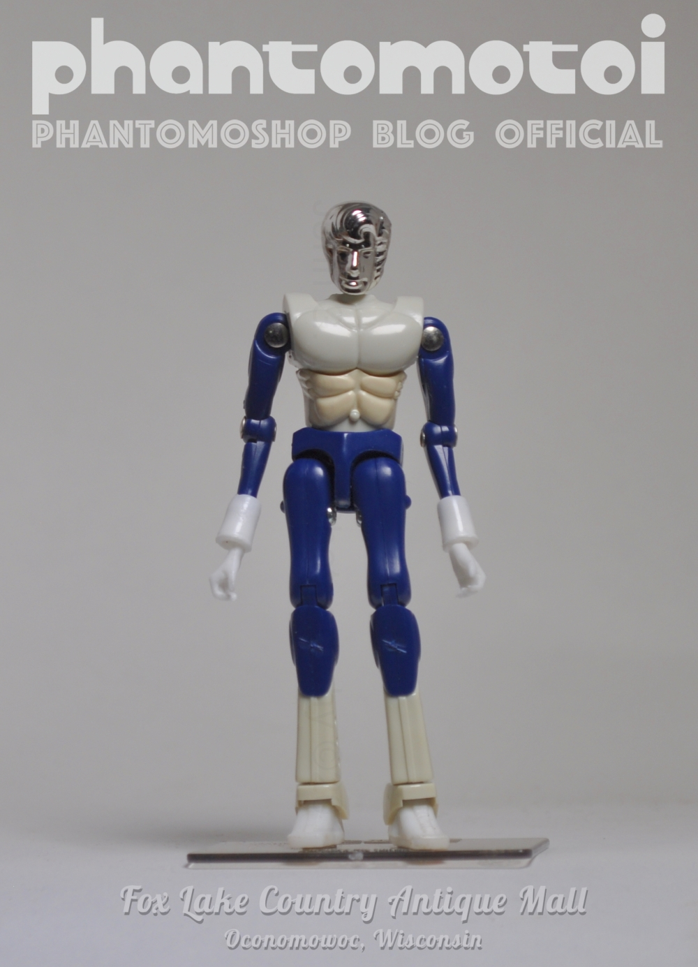 Micronaut_Customs_phantomotoi_SM_bluWht_800w