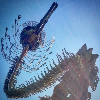 Tom Every or 'Dr. Evermore' produced this HUGE rusty bird-thing ... much like his 'Forevertron' in Baraboo, Wisconsin. Cool to see some more of his signature style around the state! #phantomoshopblog #phantomoshop #phantomotoi #phanomophigures
